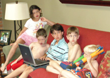 kids-laptop-4th.jpg
